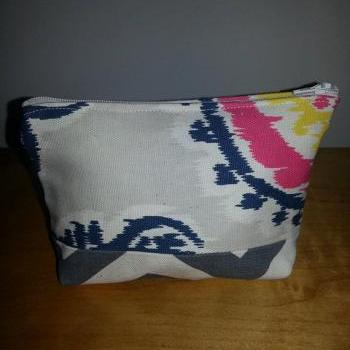 Small Navy Medallion Print Make-up Pouch