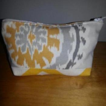 Medium Yellow Medallion Print Make-up Pouch